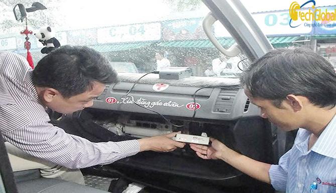 Hà Nội thu hồi gần 150 phù hiệu vận tải xe ô tô kinh doanh vận tải