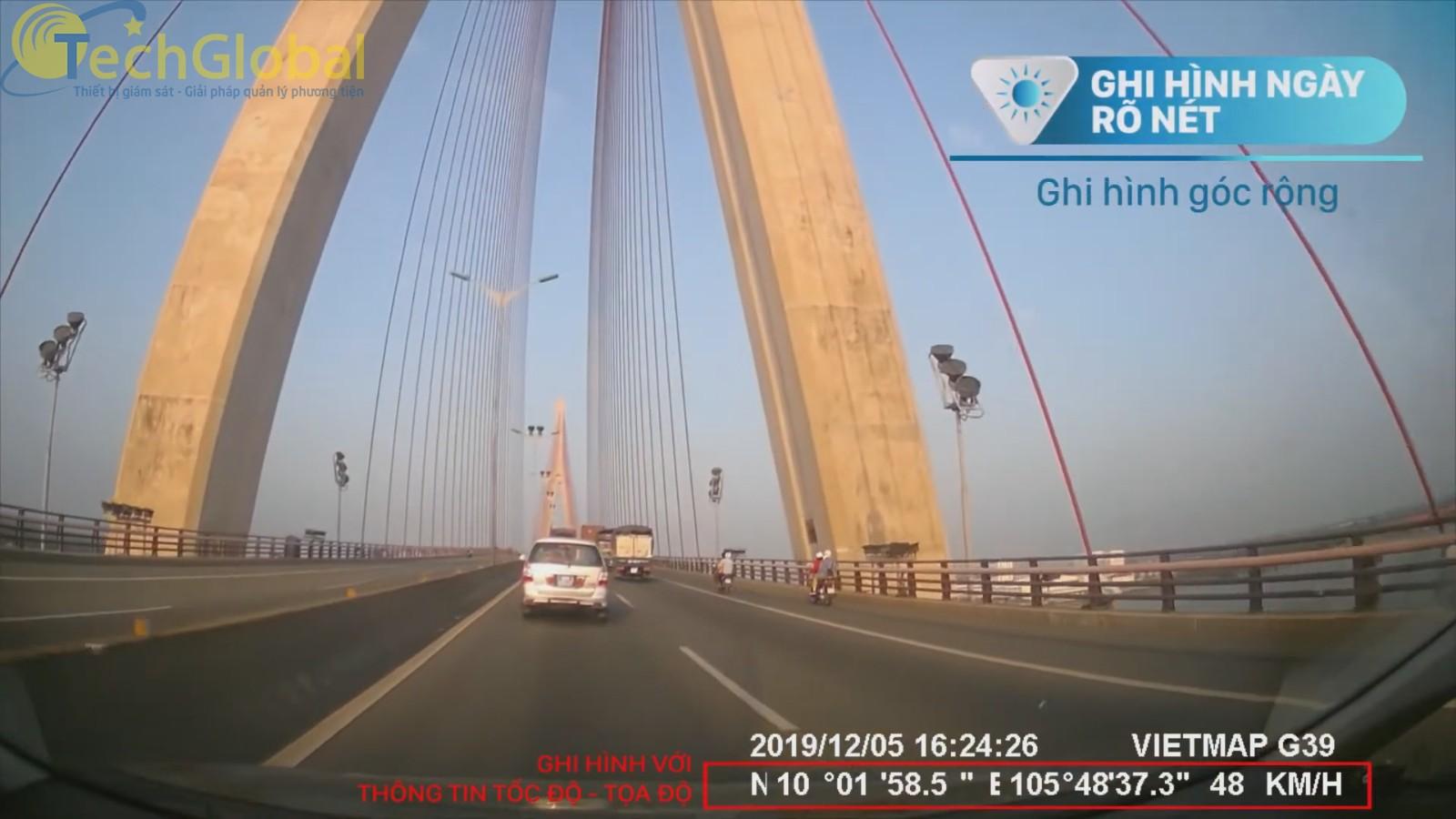 Vietmap G39 ghi hình rõ nét ban ngày với thông tin tốc độ, toạ độ chi tiết